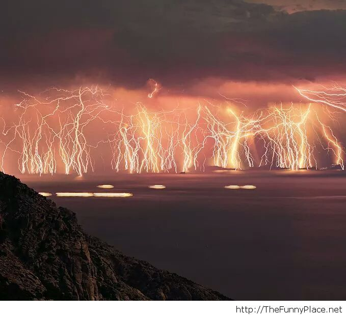 Awesome Lightning In The Sea