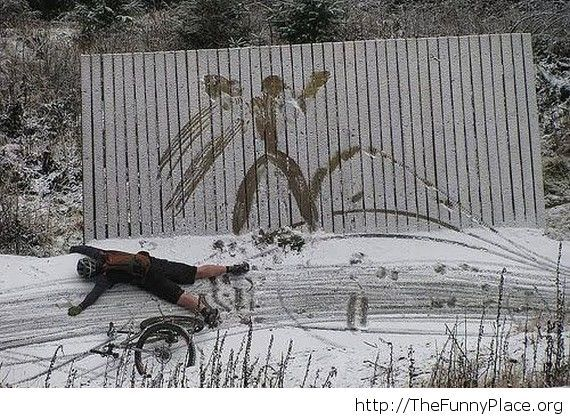 A bycicle accident in the winter