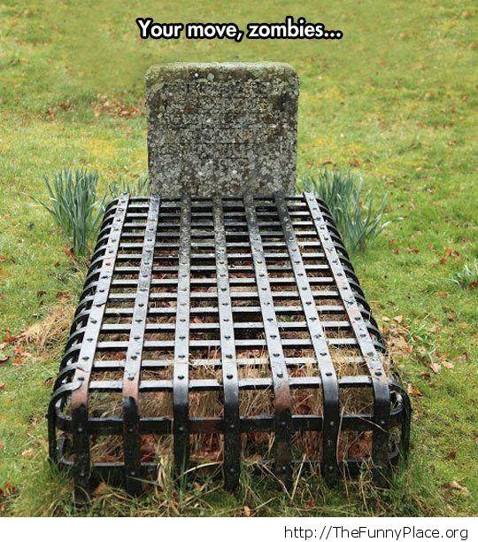 Anti zombie grave grate